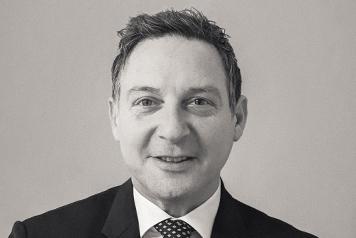 Robert Schaverien